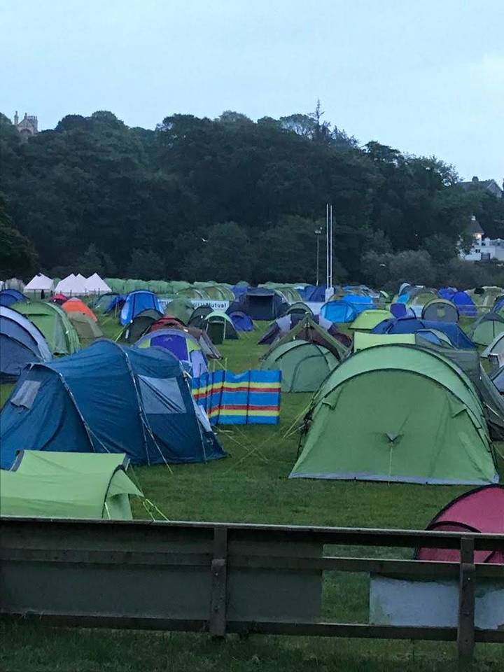 Normal Tent 1-4 Persons (Pitch)